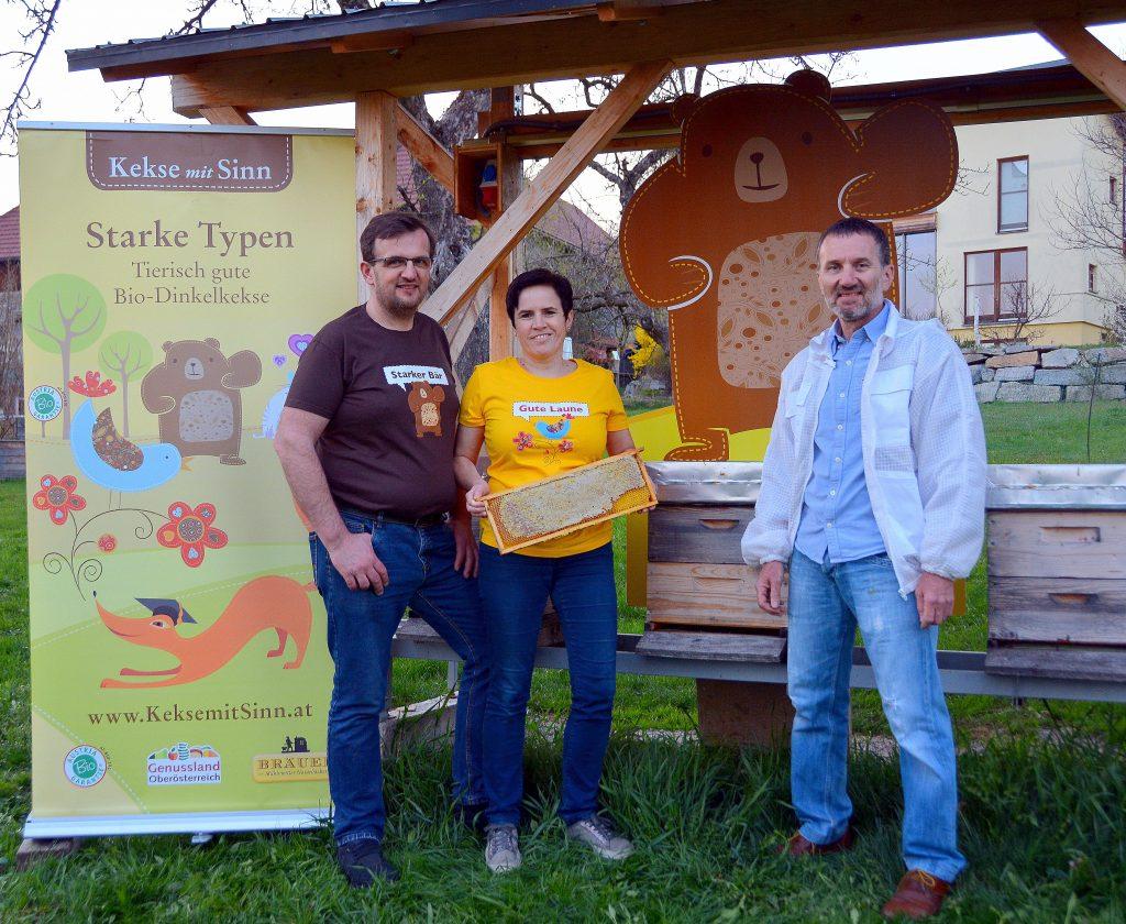 Bräuer unterstützt Bienenaktion